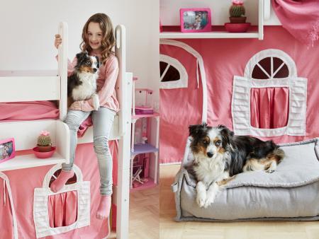 Laura & Luna, Luna with Dog Bed Cozy