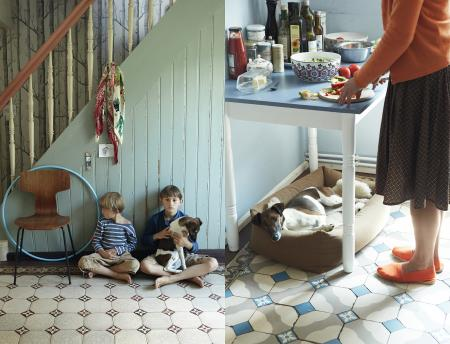 Oskar, Anton, Sylvia & Oda, Oda with Dog Bed Sleepy