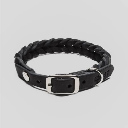 Closed dog collar with braided black leather and silver closure