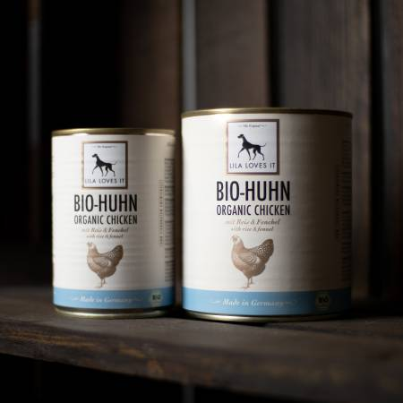 Can of dog food with organic chicken from Lila Loves It