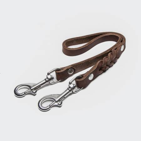 Dark brown coupling piece for a leather leash for dogs with silver carabiner