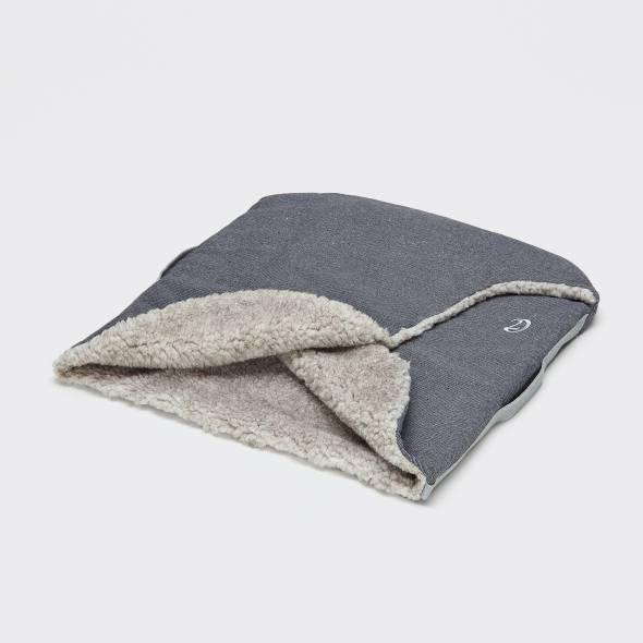 Hundeschlafsack mit weichem Wollfutter und seitlichem Tragegriff