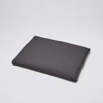 Dunkelgraues Hundekissen aus wasserabweisendem Stoff mit seitlichem Griff