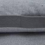Detailfoto eines grauen Hundekissens aus Tweed-Stoff mit seitlichem Griff