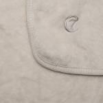 Drei cremefarbene Hundedecken in verschiedenen Größen