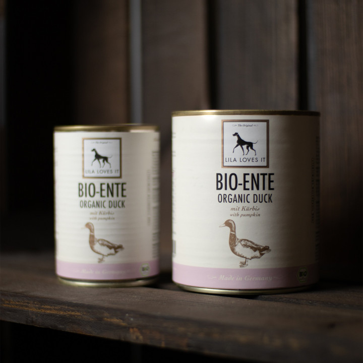 Canned dog food with organic Duck from Lila Loves It
