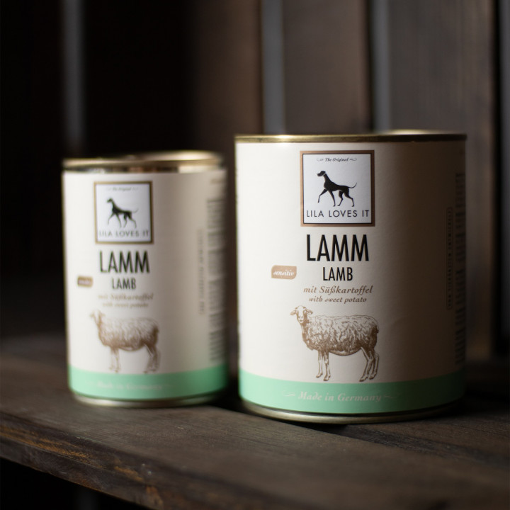 Tin can with dog food lamb and sweet potato from Lila loves it