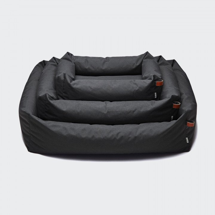 3 dark grey and water repellent dog beds for outdoors