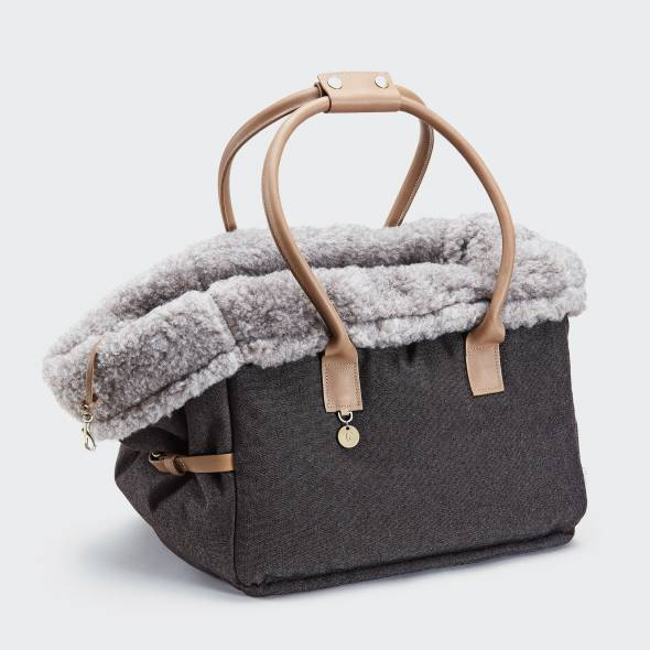 Dog Carrier with cozy lining and soft handles