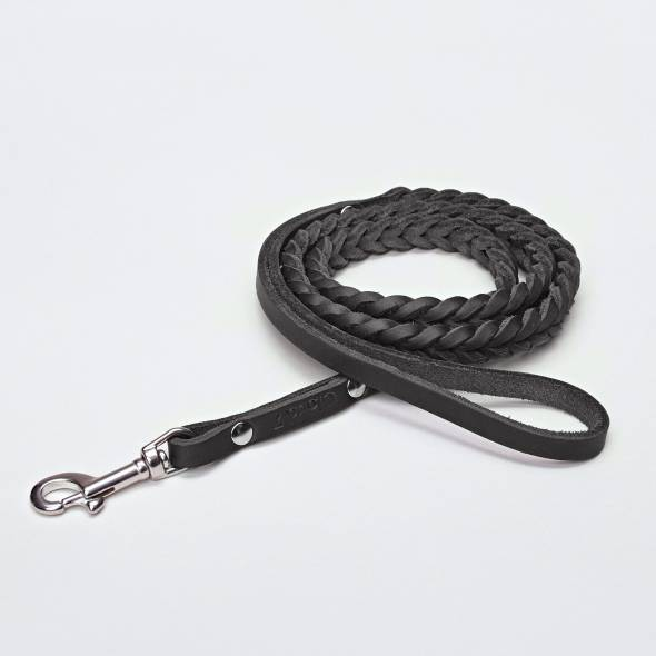 Draped dog leash in black braided leather with silver carabiner