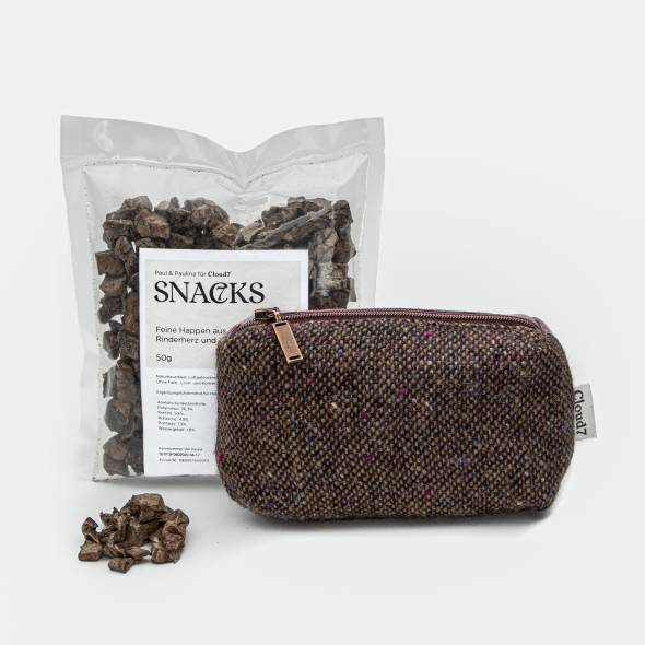 Perfect set with tweed bag for treats